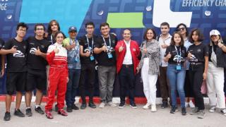 Liseli gençler Teknofest elektrikli araç yarışlarında yarıştı