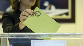 Almanya Seçimleri:SPD burun farkı ile ipi göğüsledi