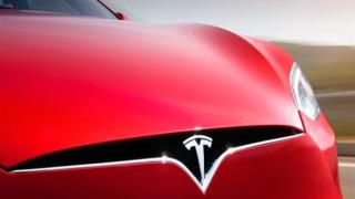 Tesla'nın direksiyonsuz ve pedalsız otomobili Çin'de üretilecek