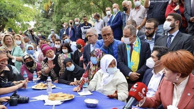 Meral Akşener İstanbul Çatalca'da Esnafın Dertlerini dinledi